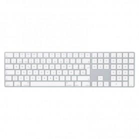 pEl Magic Keyboard con teclado numerico tiene un diseno ampliado con controles de navegacion para que te desplaces rapidamente